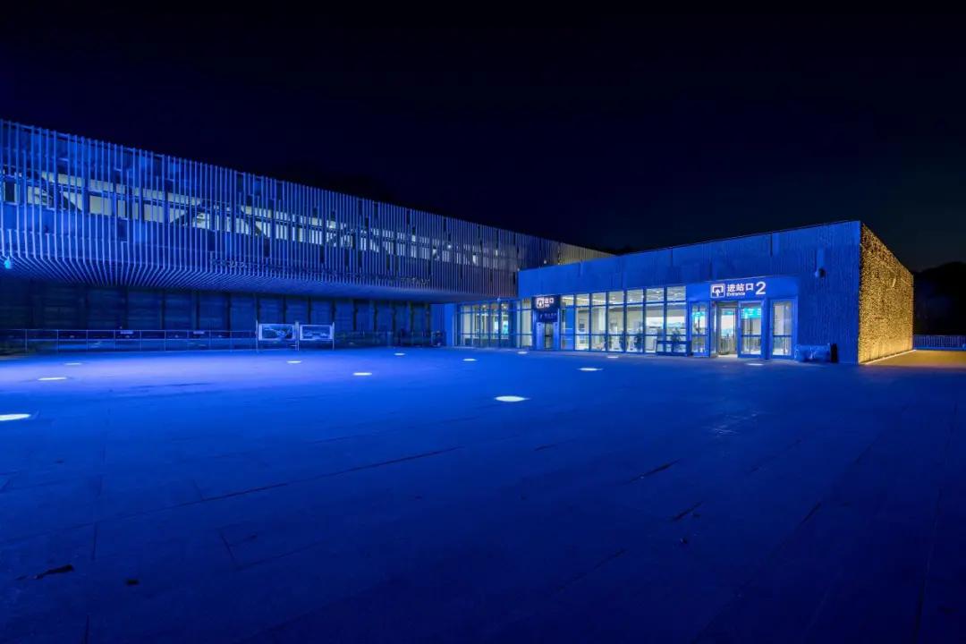 佑昌照亮世界最深高铁站:以嵌入式智能照明赋能八达岭长城站